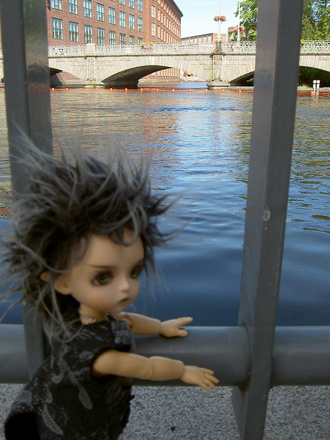 Deimos on the Dam Bridge
