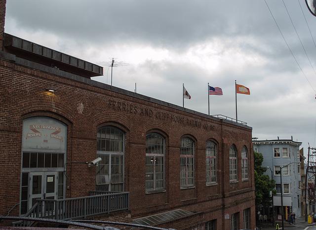 SF Nob Hill: Cable Car museum 0174