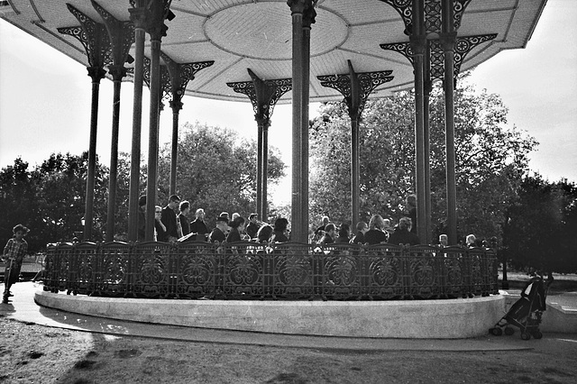 Bandstand SW4.