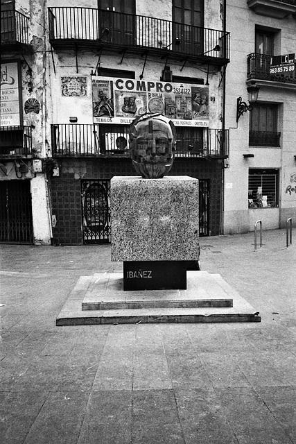Monument to Ibanez, Valencia.