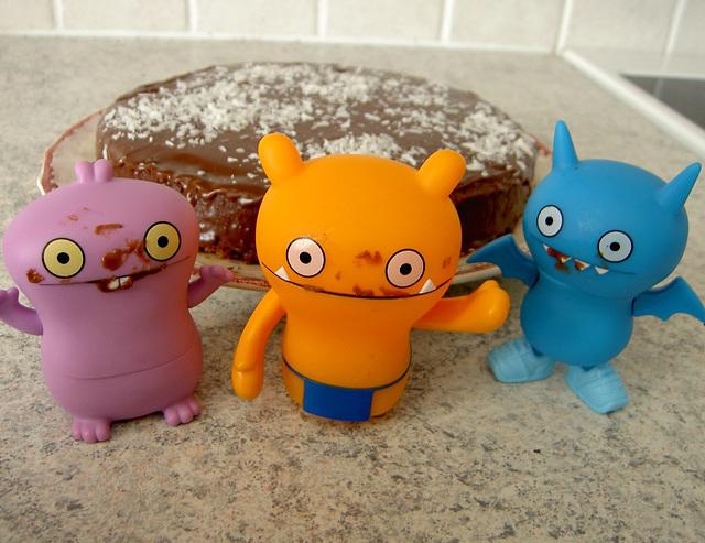 Ugly cake 9/9
