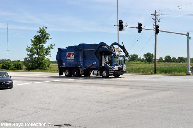 allied_waste_mack_refuse_truck_191st_&_harlem_tp_il_06'13