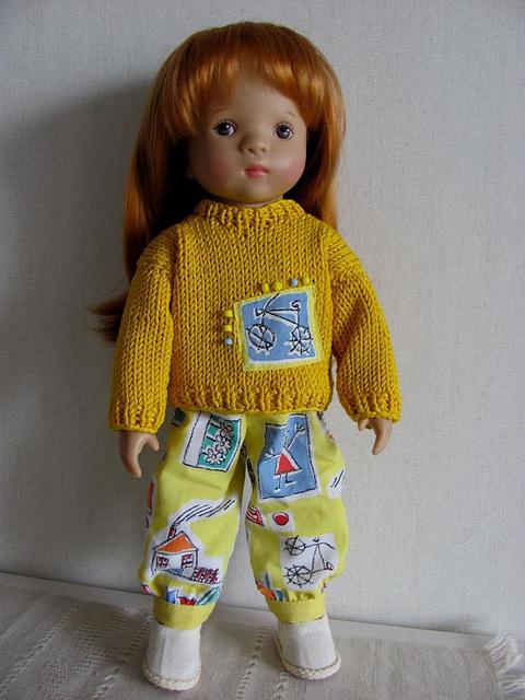 Stella in yellow