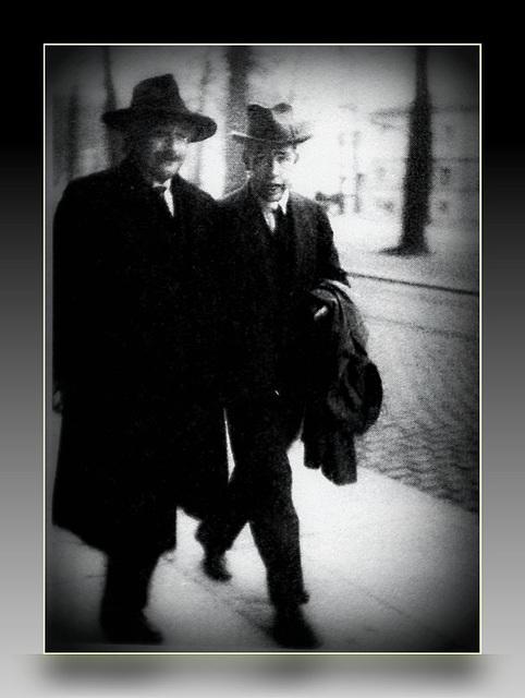 Einstein & Bohr