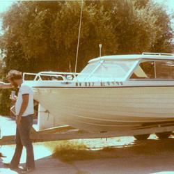 boat_in_driveway