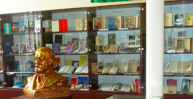 Vitrinoj pri historio de Esperanta literaturo 1887-2012