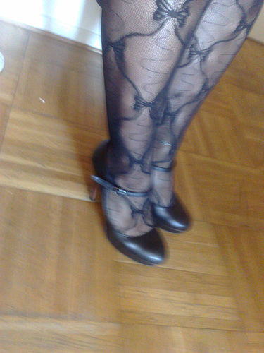 Amie de Lady Bergham en talons hauts / Lady Bergham's friend in high heels - Photo originale