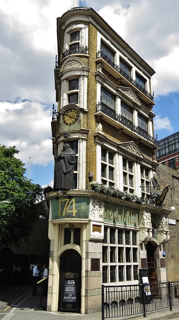 the black friar pub, queen victoria st., london