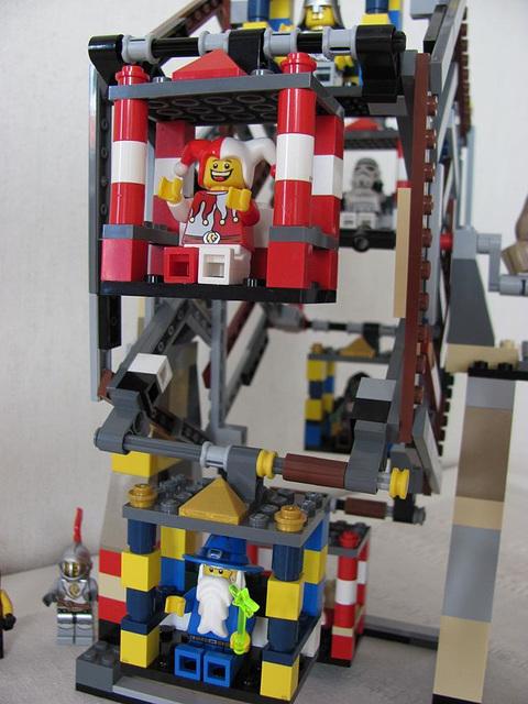 Lego Ferris Wheel - improvement (Medieval carnival 2)