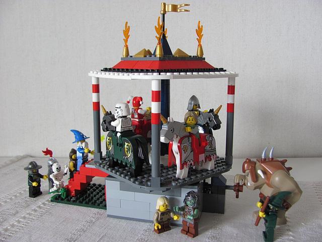 Carousel (Medieval carnival 9)