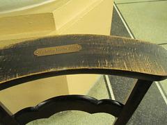 autrefois dans les églises chacun avait sa chaise à son nom
