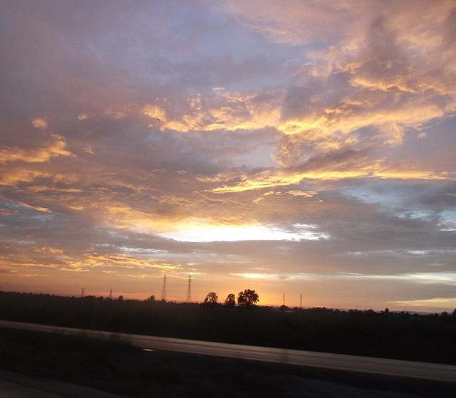Couleurs de ciel somnolent / Sleepy sky colours.