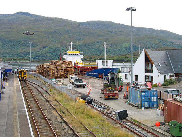 A busy moment at Kyle