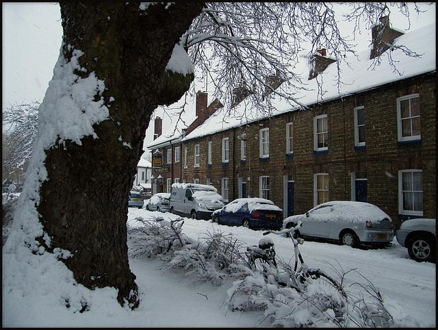 snow in Cranham Terrace