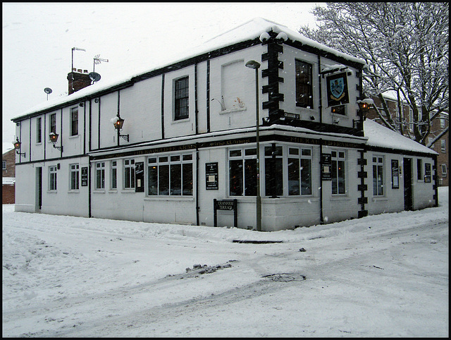 snow at the Radcliffe Arms