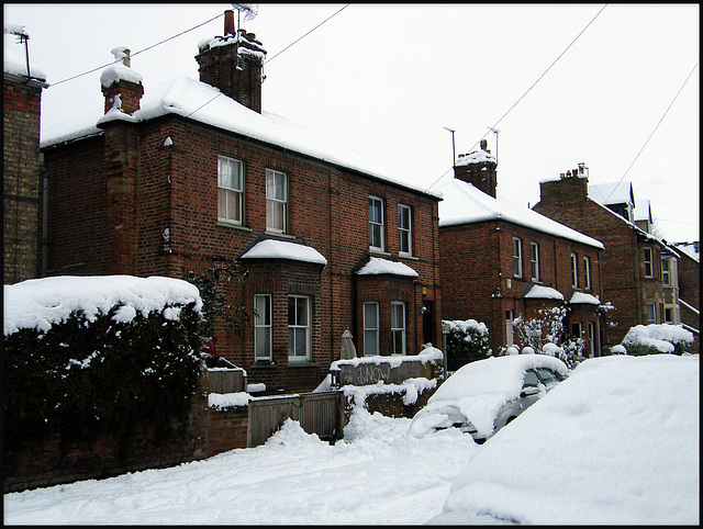 snow at Walton Crescent