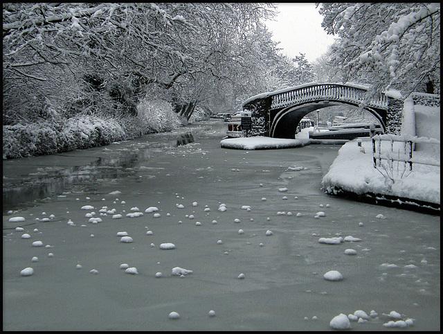 winter at Isis Bridge