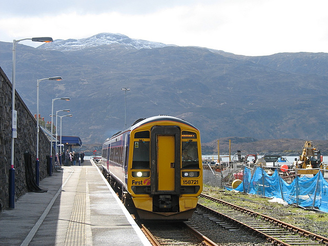 158721 leaves Kyle for Inverness