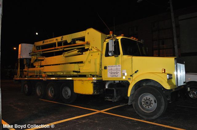 mclain_&_company_volvo_wht_gmc_underbridge_access_quad_axle_tractor_danville_il_06'13_02