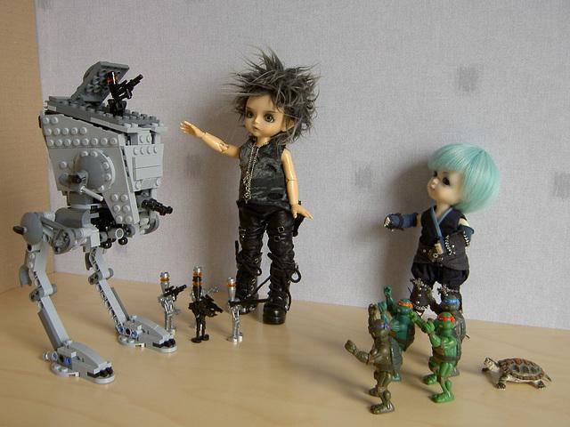 Droids vs. ninjas