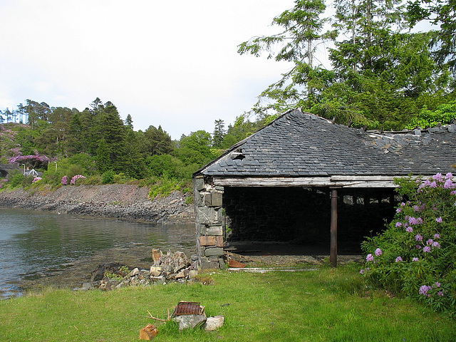 Duncraig station and boathouse