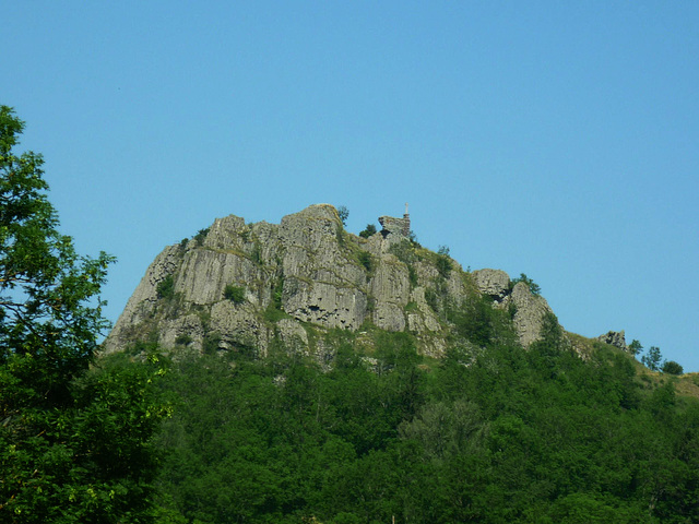Le château de Lardeyrol est un château du x1e siècle situé à Saint-Pierre-Eynac en Haute-Loire
