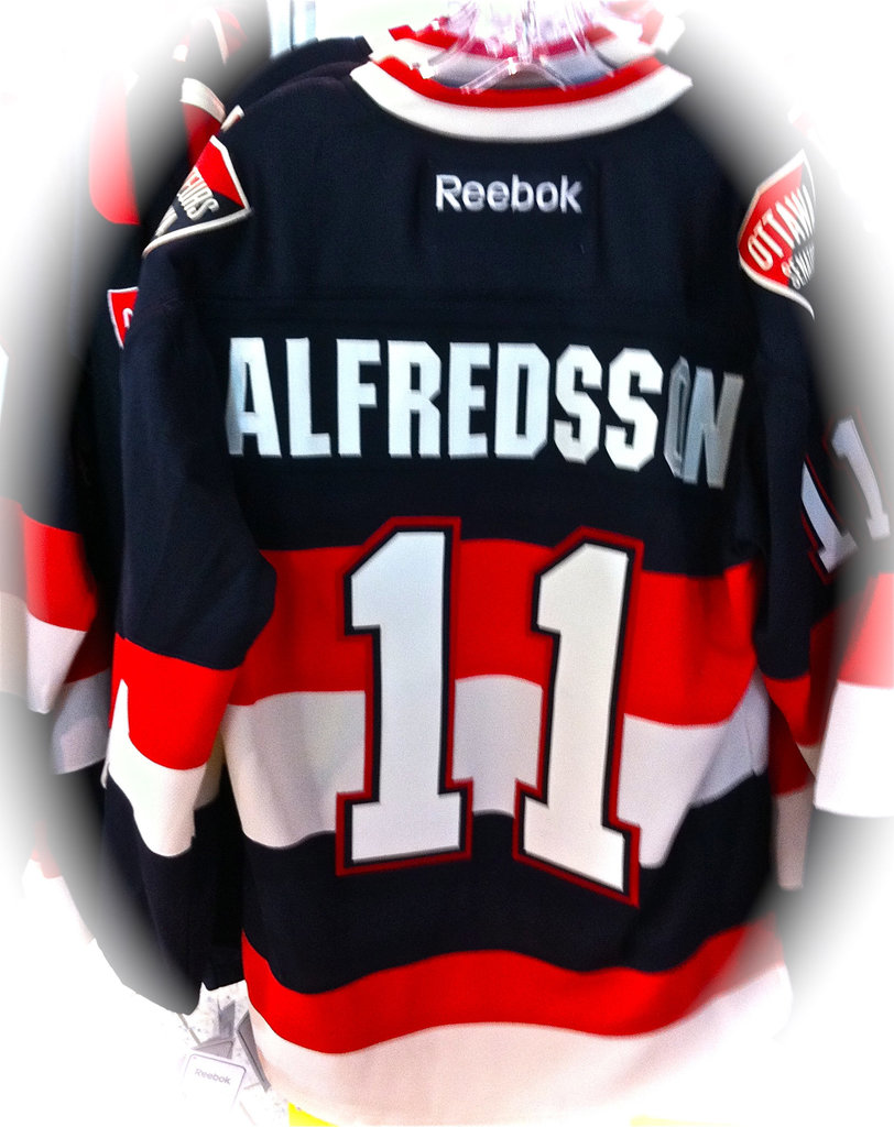 The latest new Ottawa Senators NHL Hockey Team Jersey, 2011