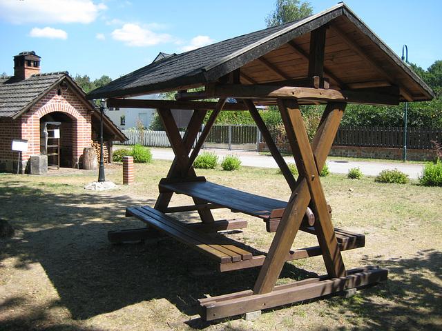 Paplitz - Dorfbackofen mit Rastplatz