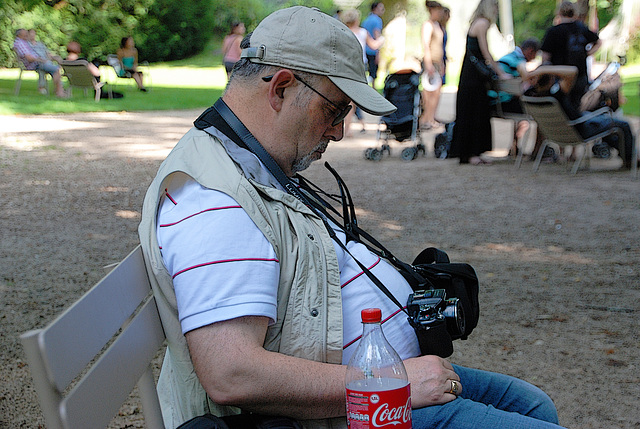 Photographe à l'affût d'un fait d'actualité et du moindre évènement majeur et spectaculaire