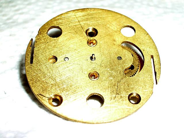 Dial caliper mechanism