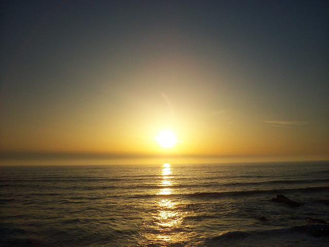 Horizon with horizontal waves