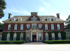 Westbury House in Old Westbury Gardens, May 2009