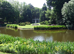 Pond Landscape in Old Westbury Gardens, May 2009