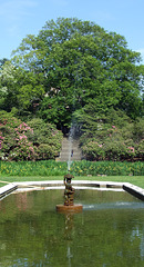 Fountain in Front of the Colonnade in Old Westbury Gardens, May 2009