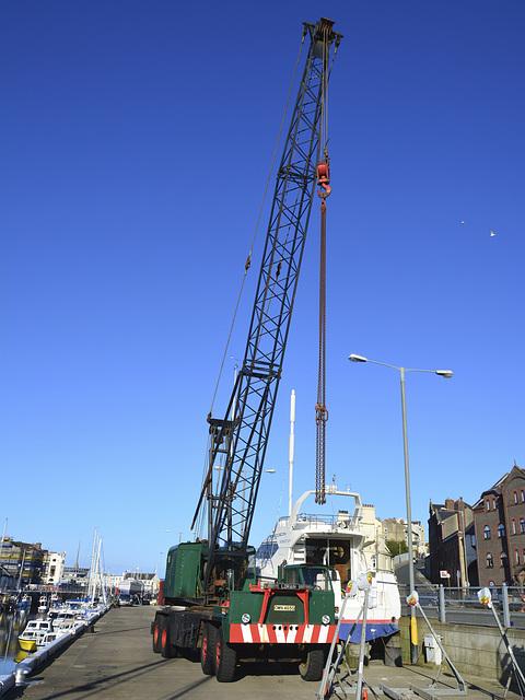 Isle of Man 2013 – Lorain crane in Douglas harbour