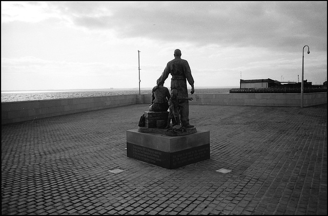 Emigrants statue, Hull.