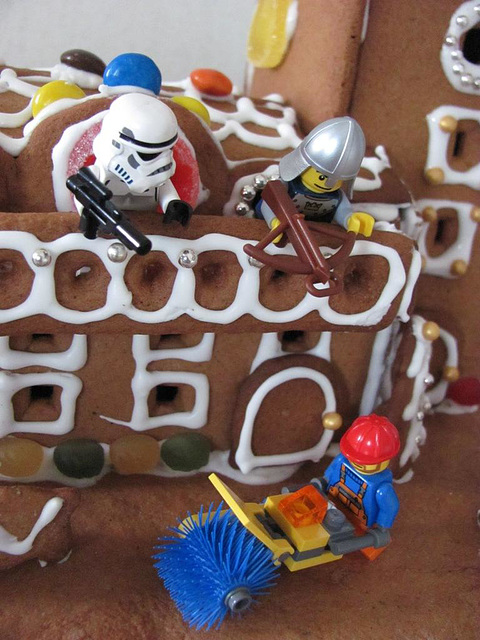 The gingerbread lighthouse guards 21