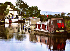 Barrowford: The lock-keeper's cottage and boats.