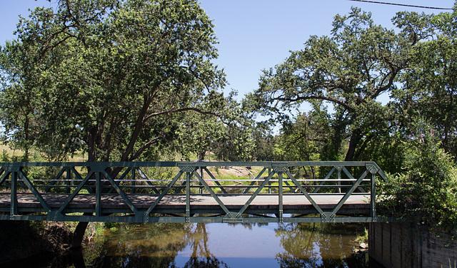 Lincoln abandoned bridge & story (0096)
