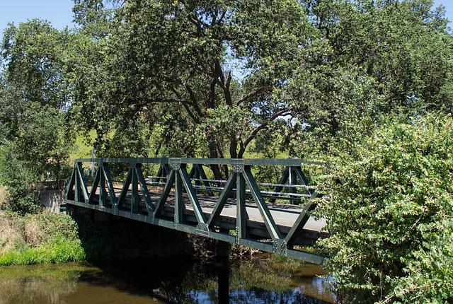 Lincoln abandoned bridge & story (0095)