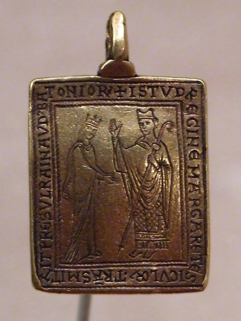 Ipernity gold reliquary pendant with queen margaret of sicily in gold reliquary pendant with queen margaret of sicily in the metropolitan museum of art september 2010 aloadofball Image collections