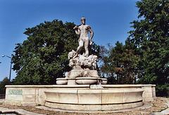 Fountain Near the Kew Gardens Courthouse, Sept. 2006