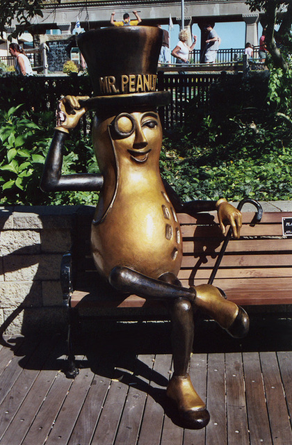 Mr. Peanut in Atlantic City, Aug. 2006