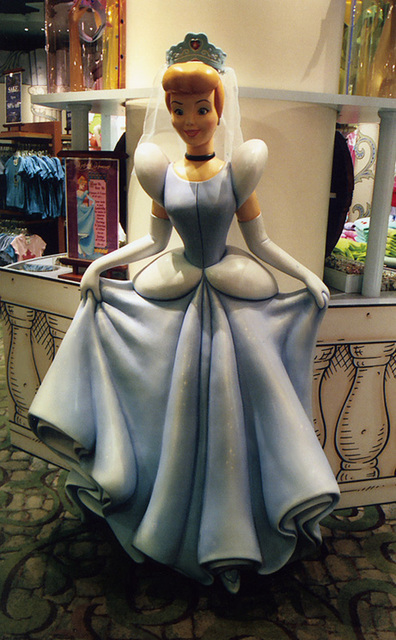 Cinderella Statue at the Disney Store on 5th Avenue, Sept. 2006