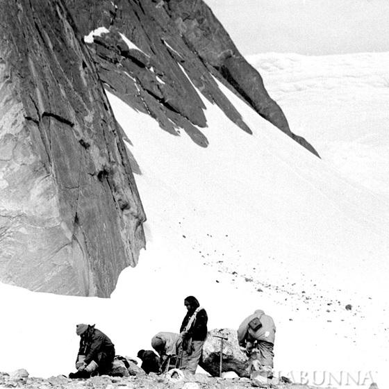 Climbing Bechervaise