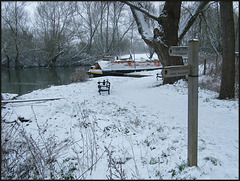 Thames Path in the snow