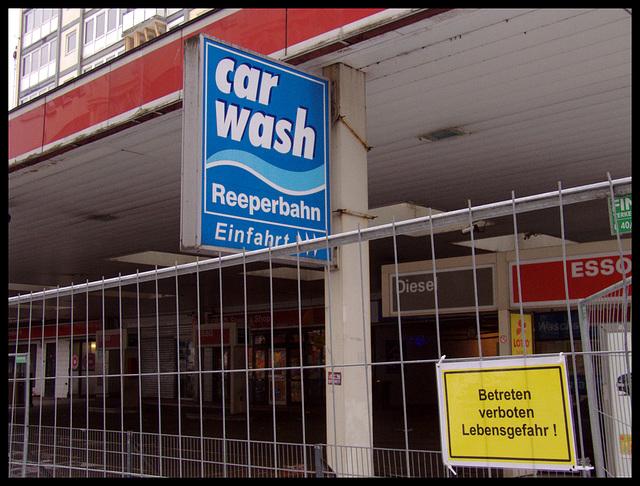 Geschlossene Esso - Tankstelle Reeperbahn