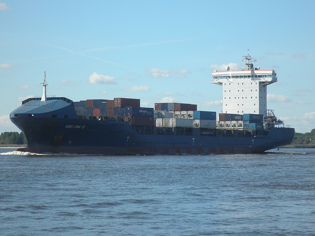 Feeder-Containerschiff  ADELINA  D