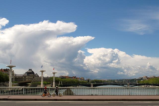 Le Rhône (fleuve) (Quartier de la Presqu'Ile à Lyon) (France, Europe)