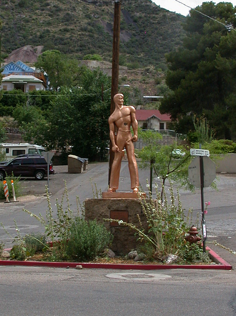 Bisbee copper miner monument  (3136)
